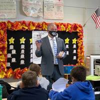 Supt. Woods Visits MDES 4th Grade Classes