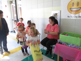 Hop-A-Trunk Held at DAFFODIL Pre-K